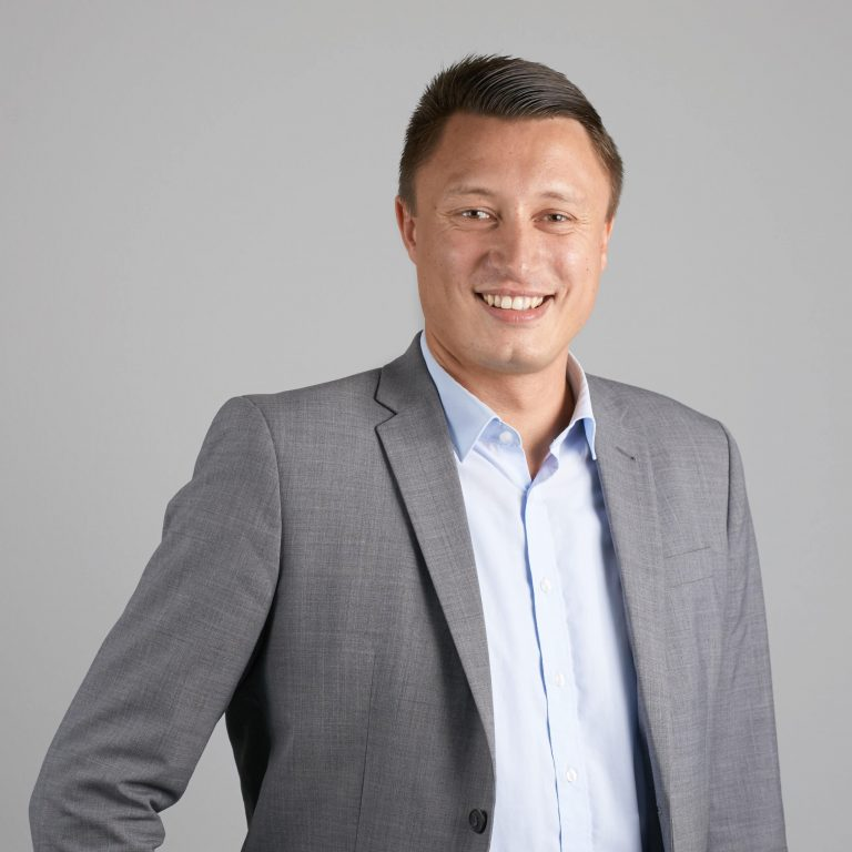 Dr. Alexander Suslin, Fachexperte