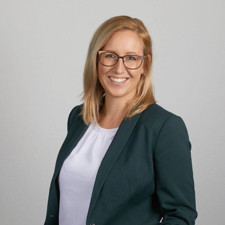 Carola Steinmark-Ernst, Support