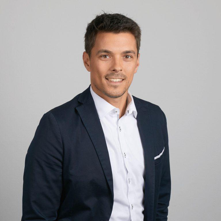 Tobias Hunze, Support